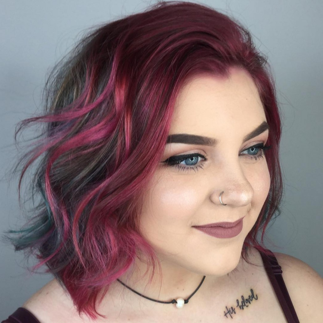 10 Amazing Haircuts For Round Faces Hair Adviser Slimming Haircuts For Chubby Faces