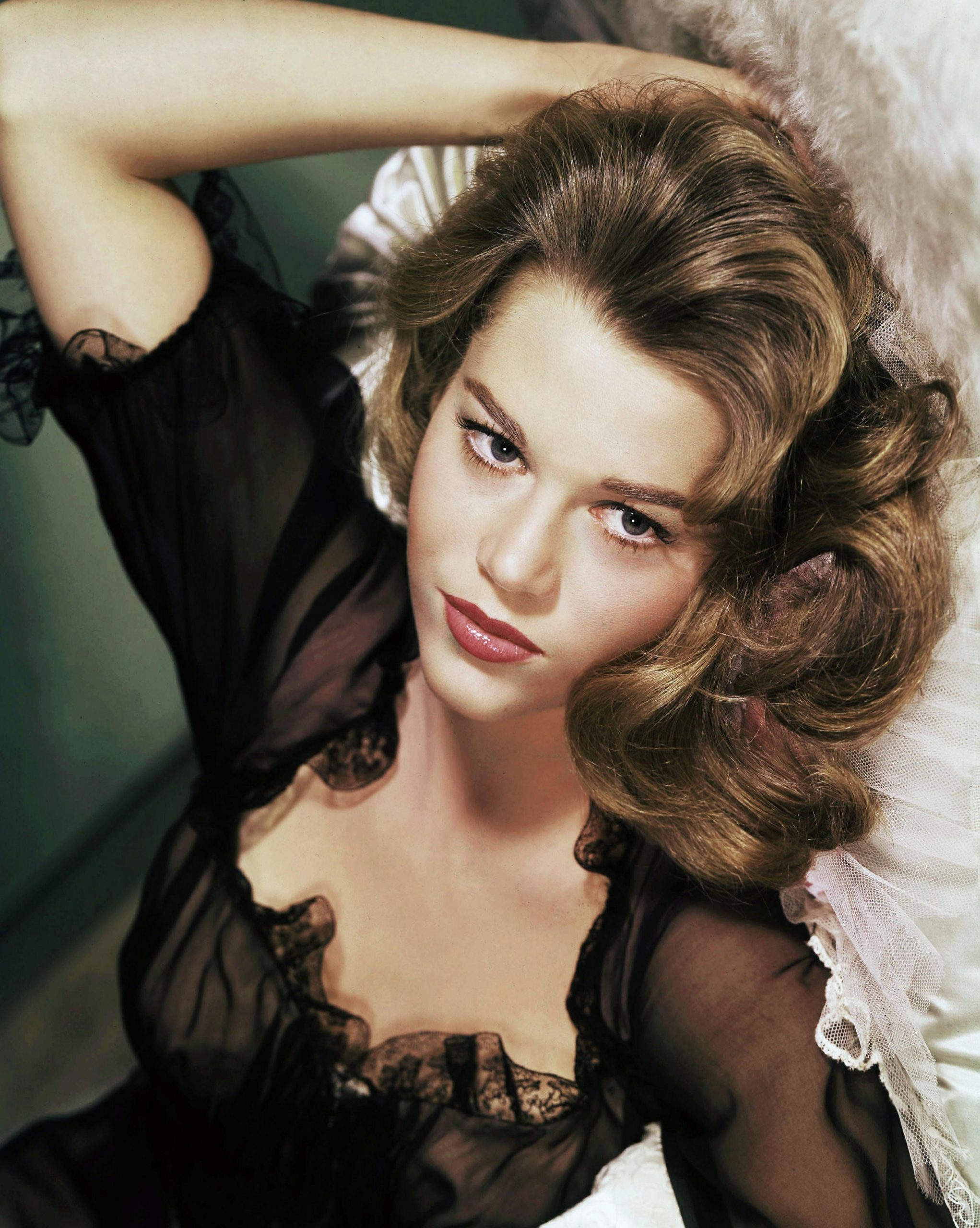10 Best '10s Hairstyles for Retro Lovers  Stylish '10s Hair