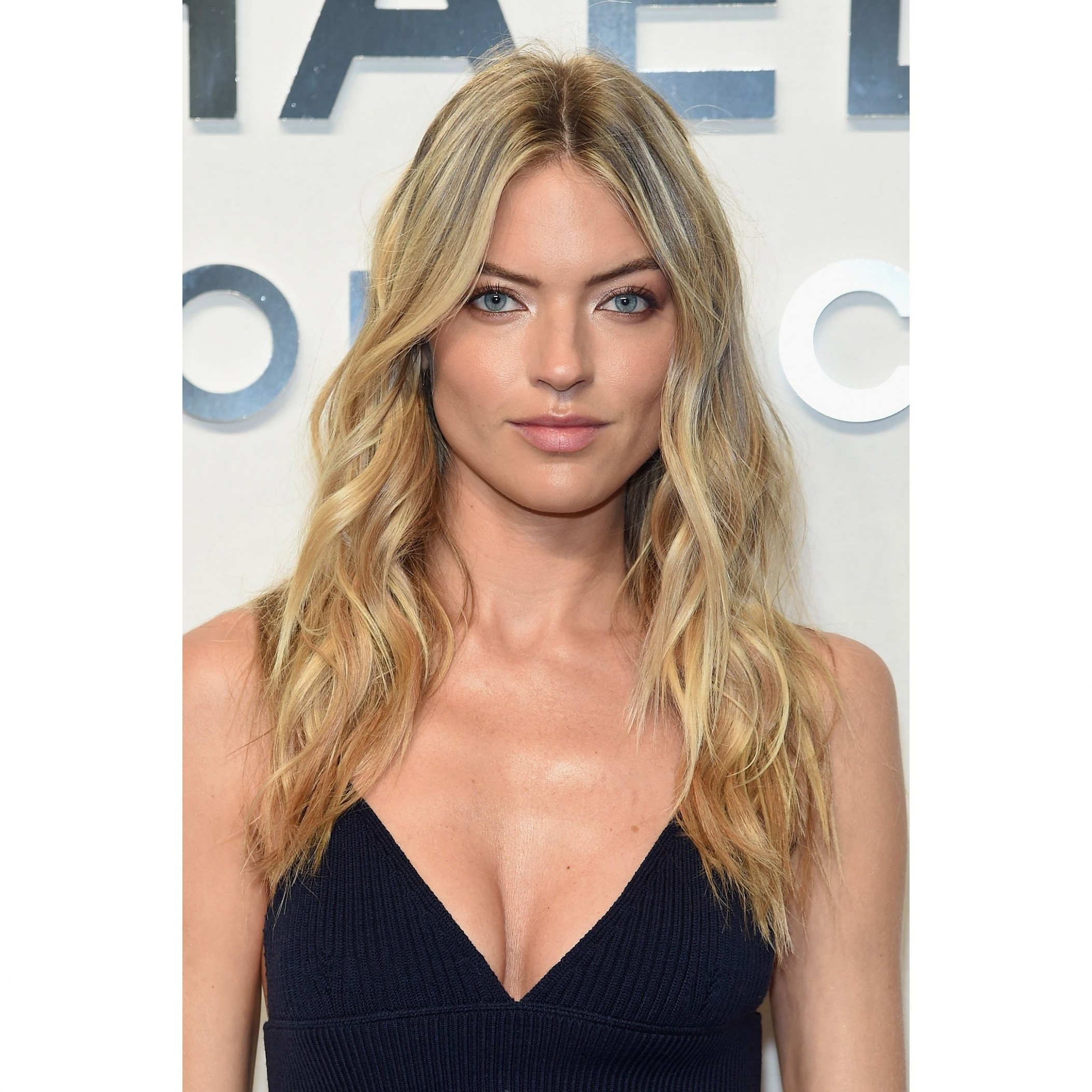 10 Best Long Haircuts And Hairstyles Of 10 Long Hair Ideas Long Hair Face Frame