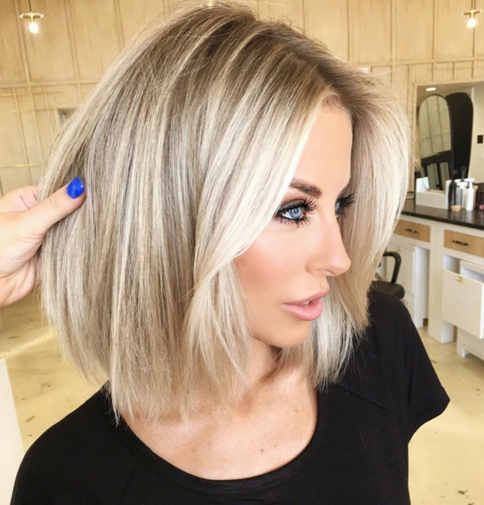 10+ Cute Short Straight Blonde Hairstyles Pictures in 10