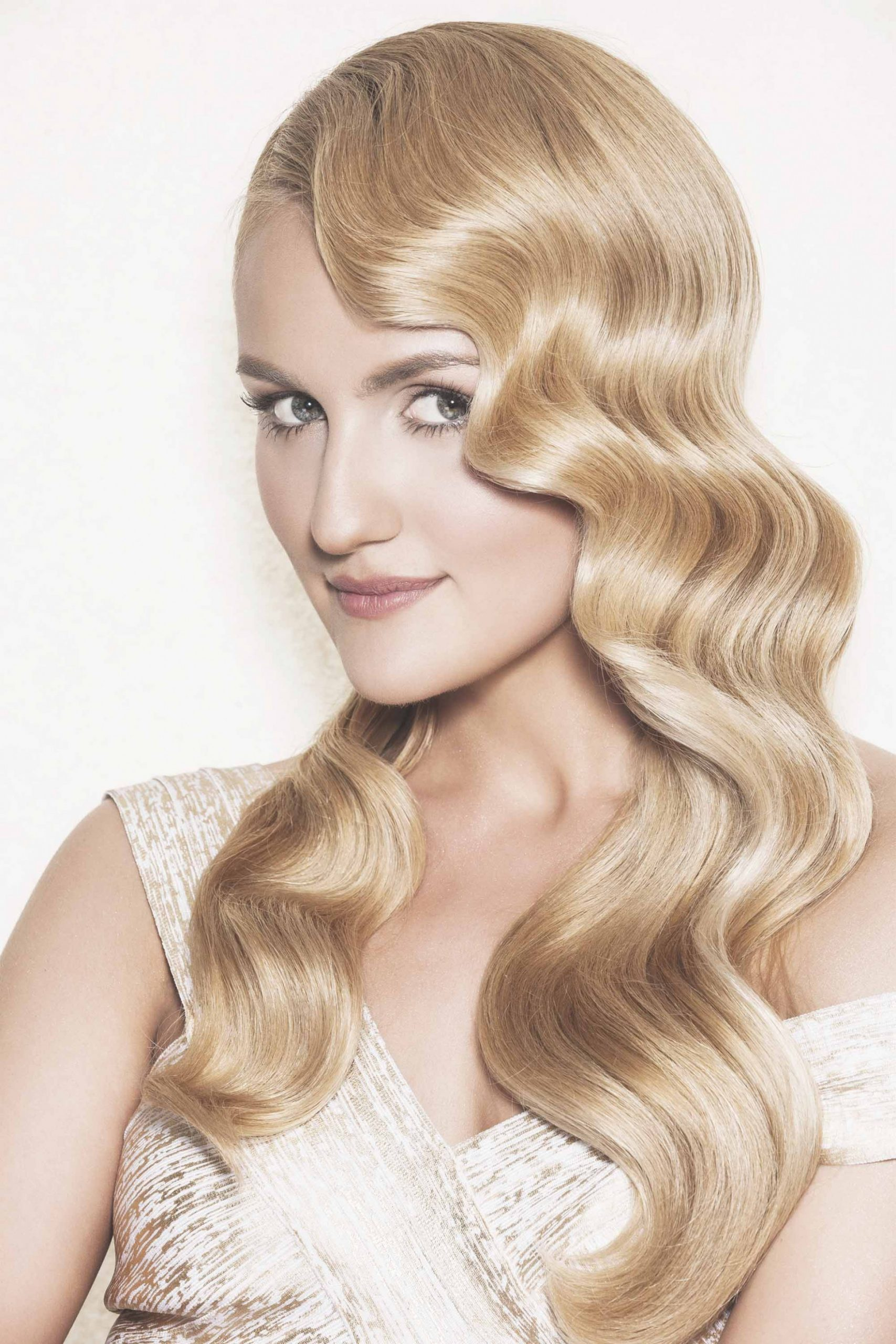 10 Glam Great Gatsby Hairstyles For Halloween (and Beyond) Gatsby Hairstyle For Long Hair