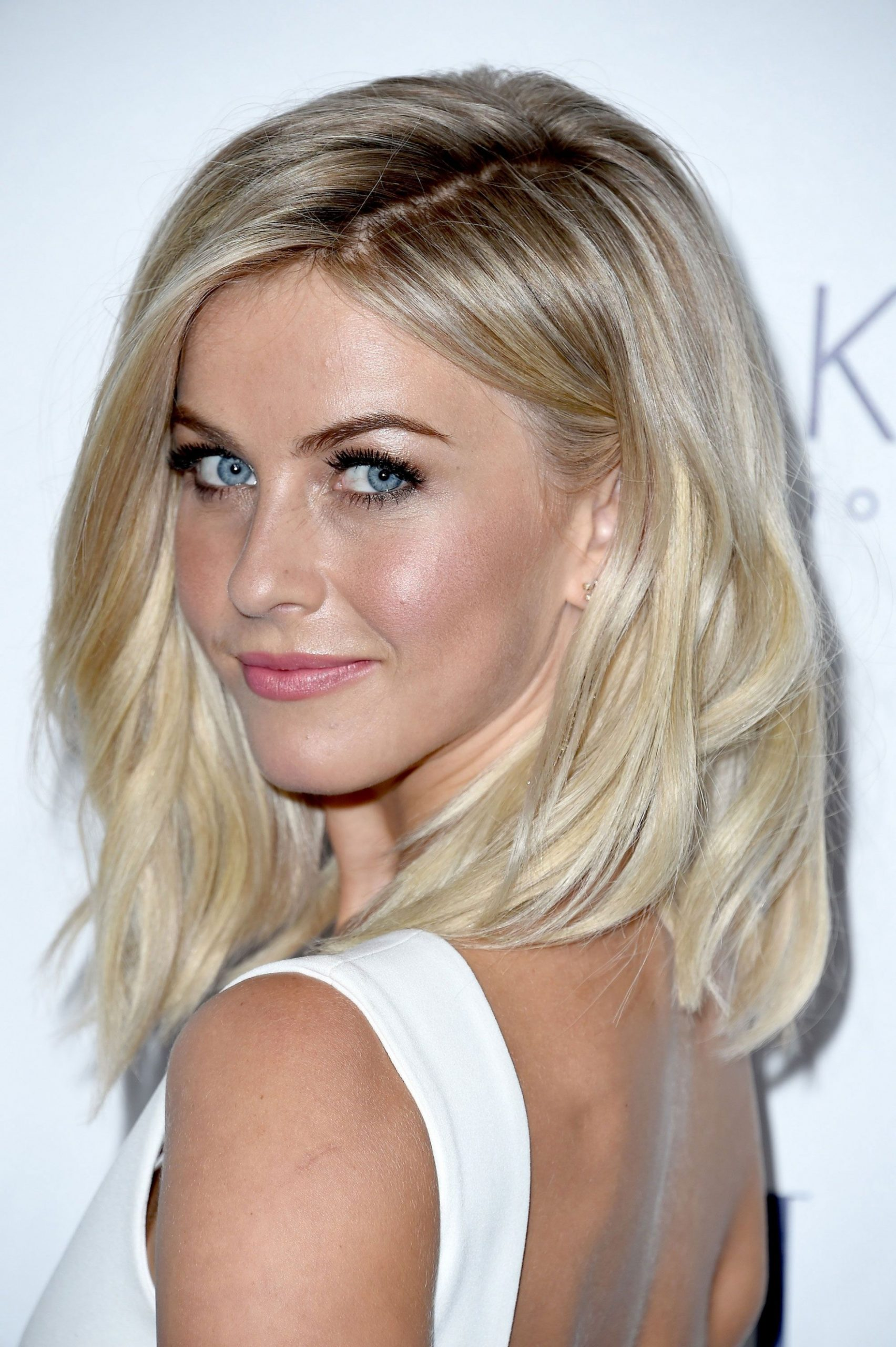 10 Hairstyles That Are So Perfect For Winter Medium Blonde Hair Collarbone Length Lob