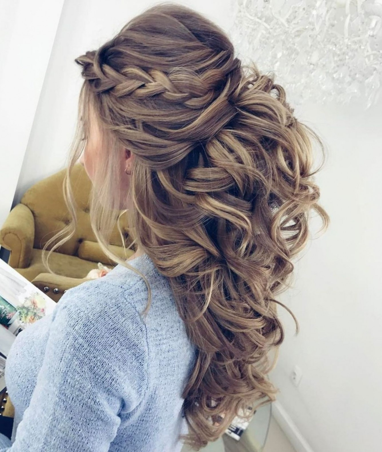 10 Half Updos For Your Perfect Everyday And Party Looks Braids Curly Half Updo