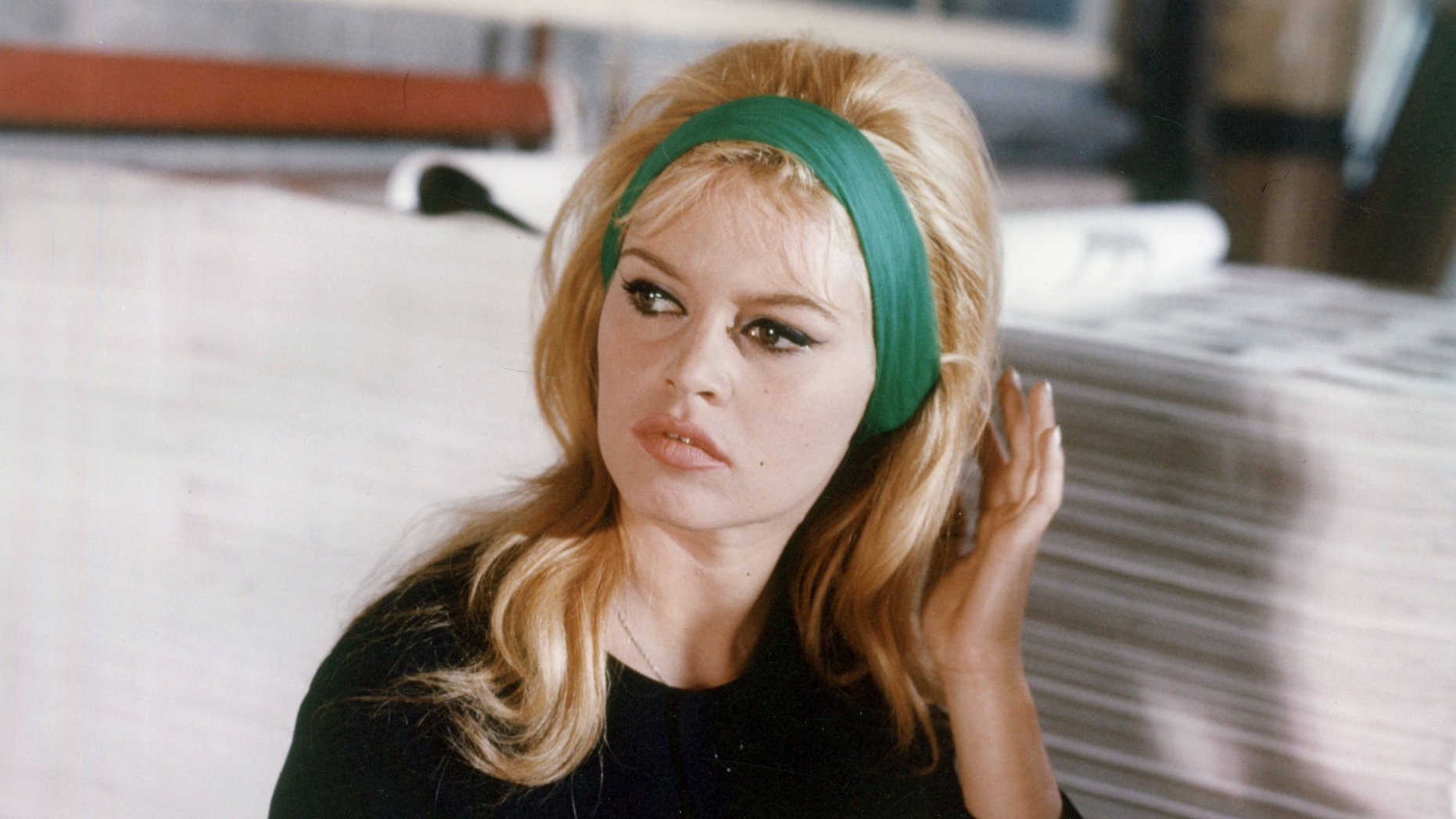 10 Iconic Hairstyles That Defined the 11060s  Beauty Launchpad