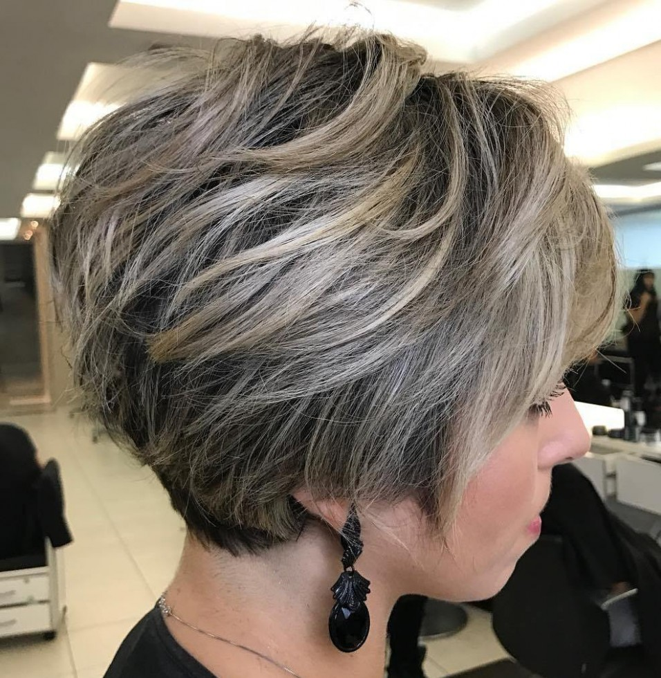 10 Long Pixie Cuts To Make You Stand Out In 10 Hair Adviser Dark Pixie Cut With Highlights