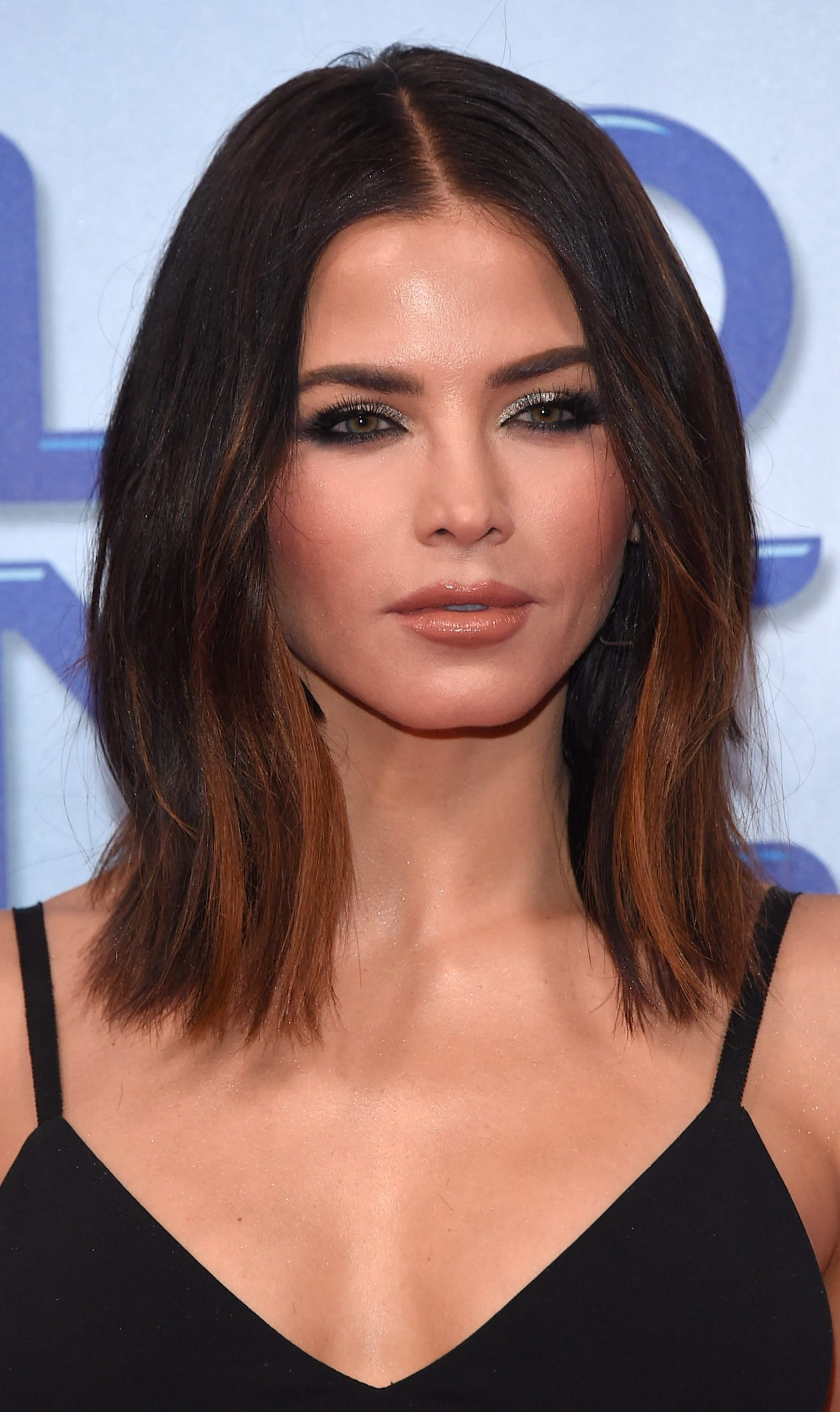 10 Medium And Shoulder Length Hairstyles For Women Haircut Collarbone Length Lob