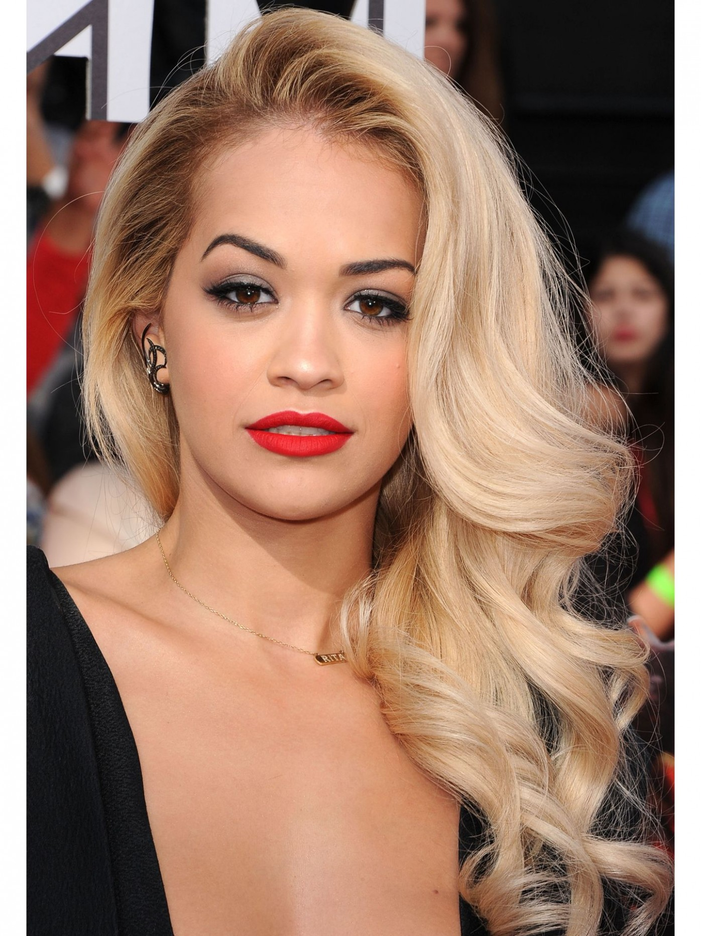 10 Side Swept Hairstyles Celebrity Side Hairstyle Inspiration Side Swept Hairstyles For Long Hair