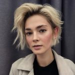 10 Super Flattering Haircuts For Oval Faces Hair Adviser Short Haircuts For Oval Faces And Thin Hair