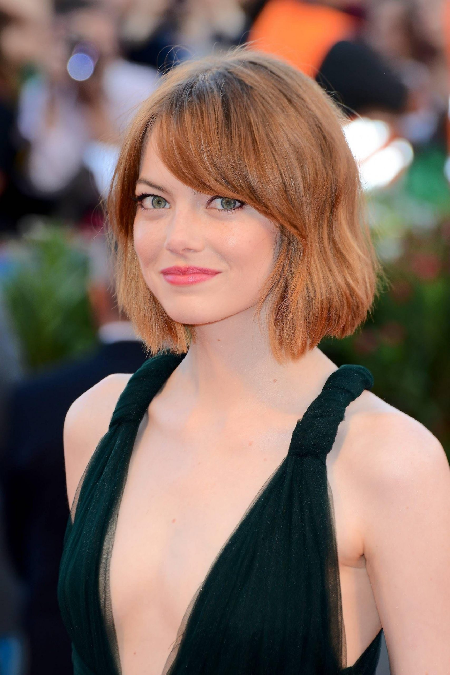 11 Flattering Ways To Pull Off Bangs For Round Face Shapes Side Bangs For Round Face
