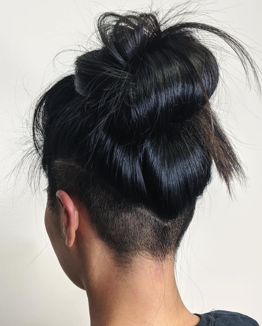 11 Hot Undercuts For Women That Are Calling Your Name Hair Adviser Long Undercut Female