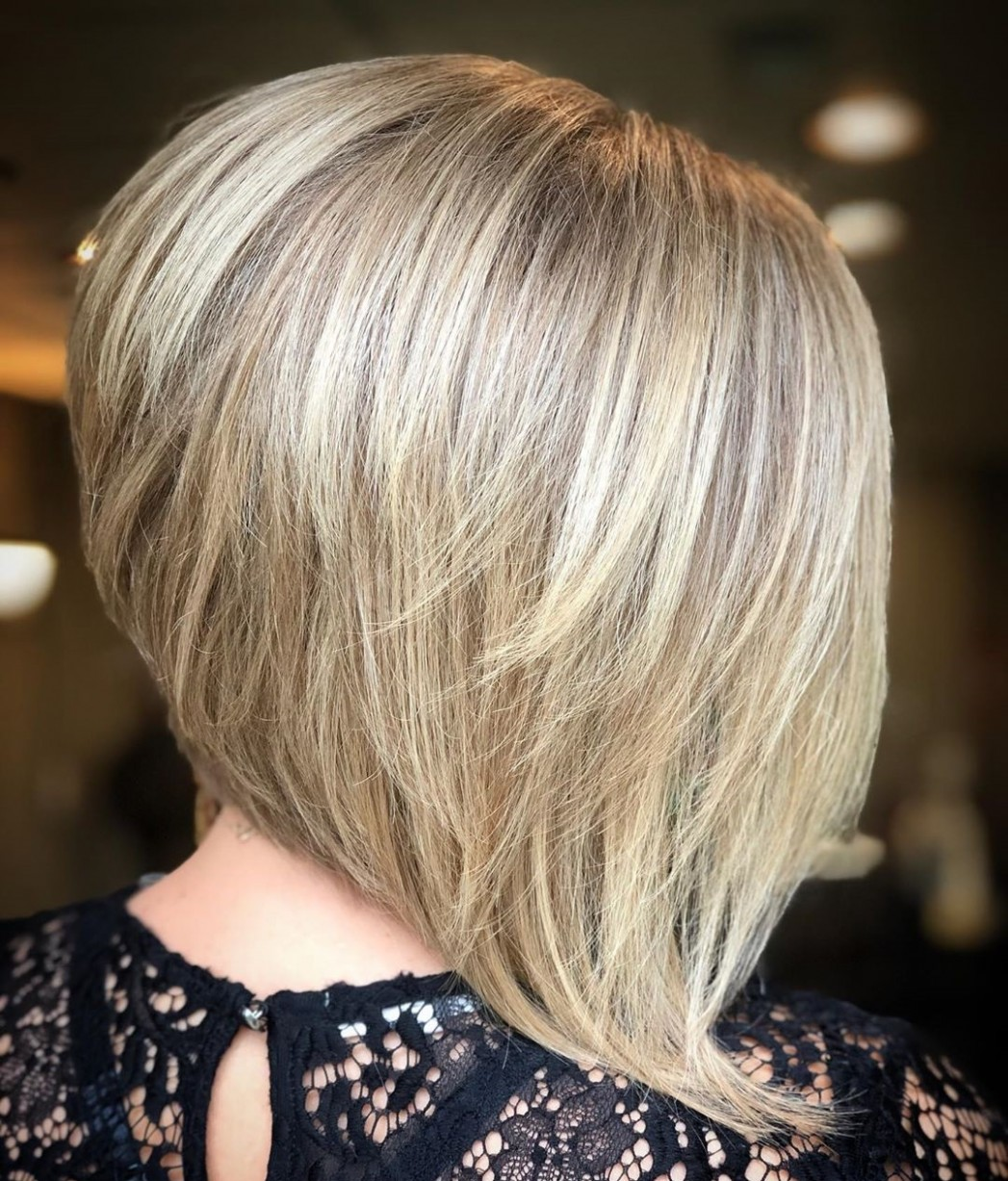 11 Inverted Bob Haircuts Women Are Asking For In 11 Hair Adviser Long Inverted Bob With Layers