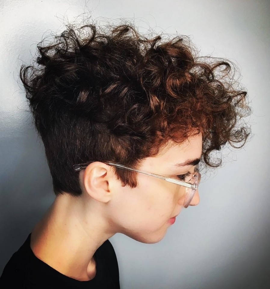 12 Absolutely New Short Wavy Haircuts For 12 Hair Adviser Short Curly Undercut
