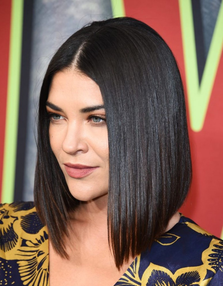 12 Best Angled Bob Haircuts and Hairstyles