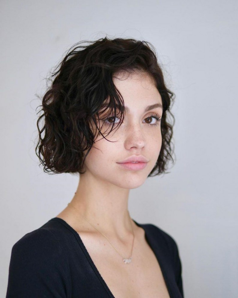 12 Best French Bob Hairstyles & Haircuts Trending In 12 All Cheek Length Bob
