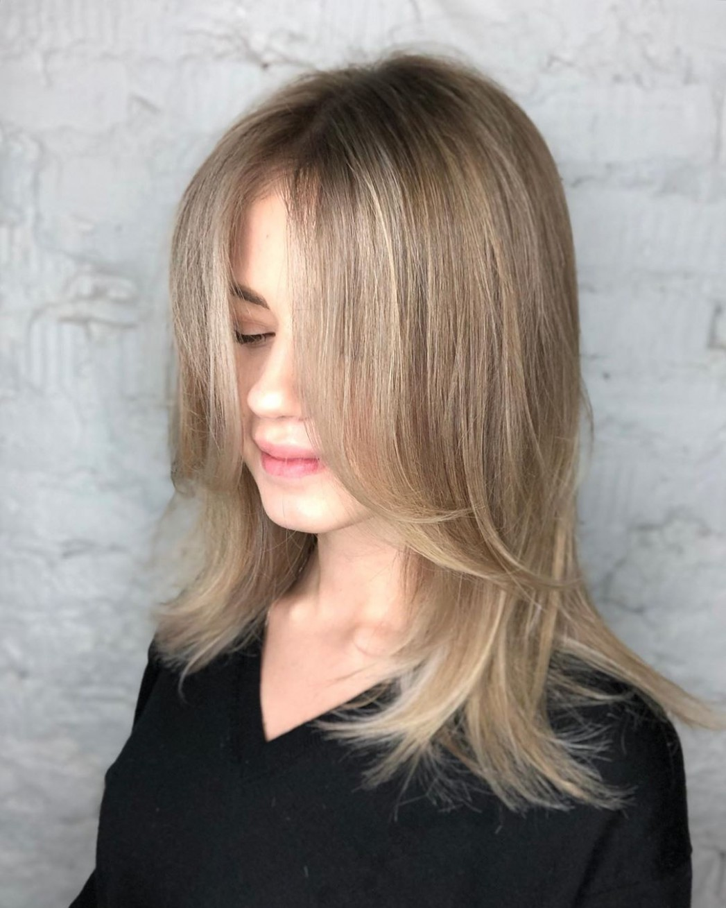 12 Best Layered Haircuts And Hairstyles For 12 Hair Adviser Face Framing Layers Short Hair