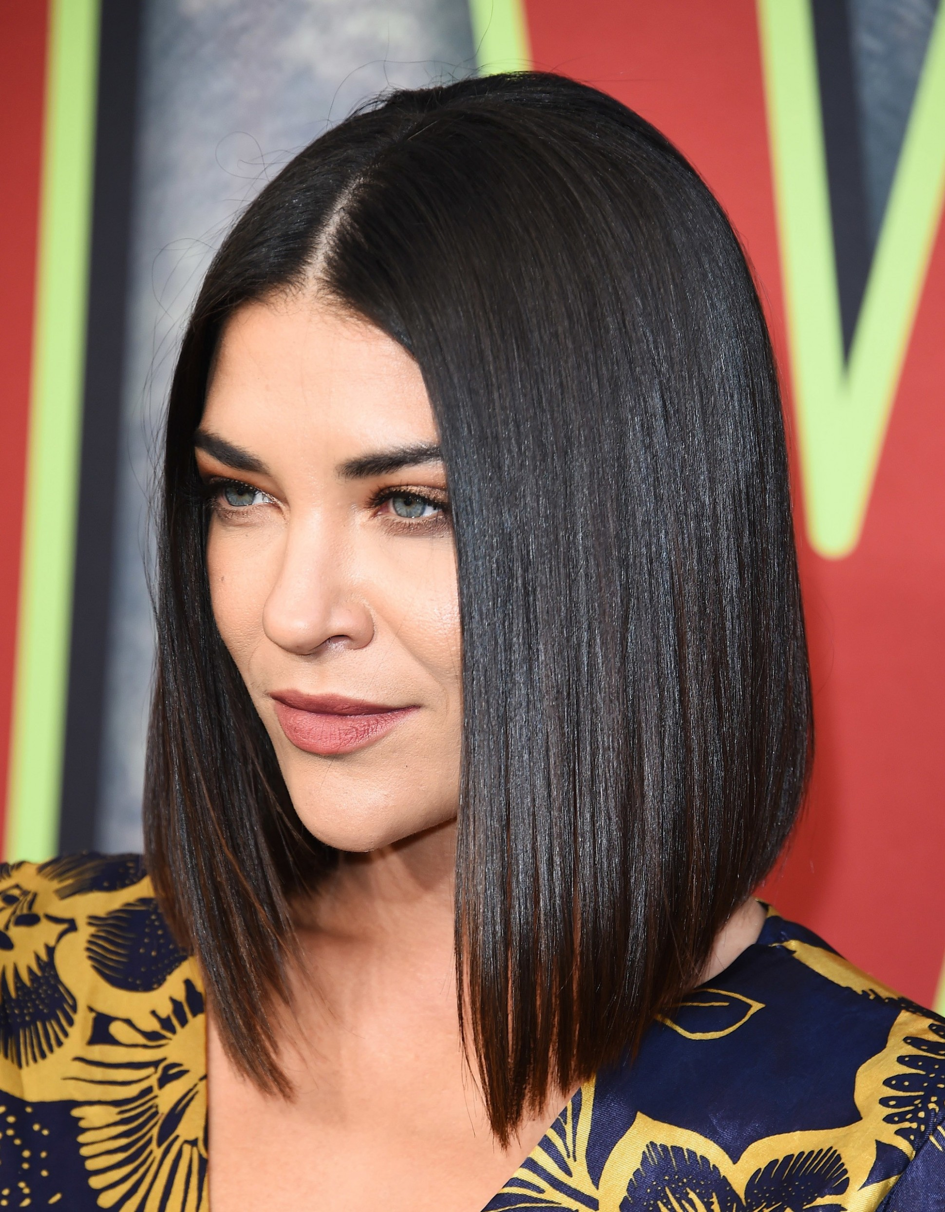 12 Flattering Medium Bob Styles To Tempt You To Try The Trend A Line Haircut Medium Length