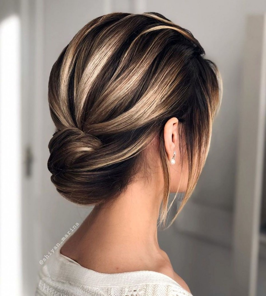 12 Updos For Short Hair To Feel Inspired & Confident In 12 Messy Bun For Short Hair Step By Step