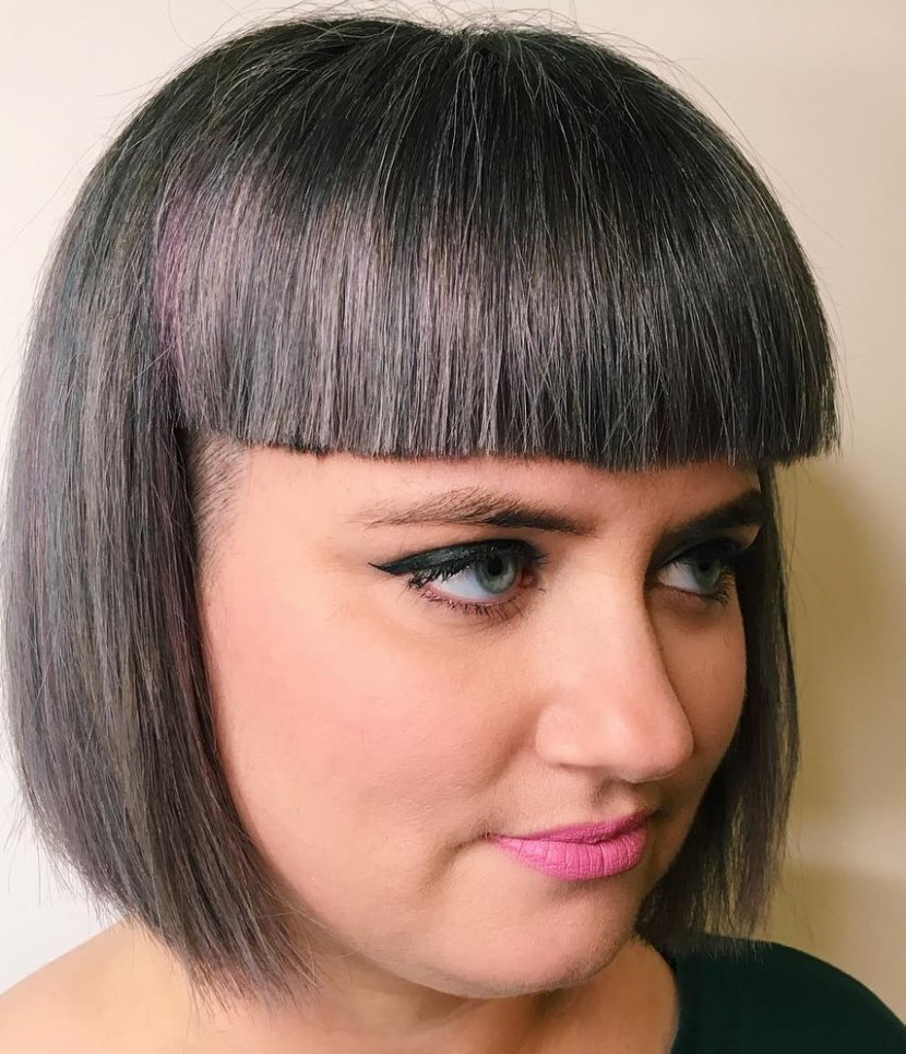 12 Versatile Bob Haircuts For Round Faces For 12 Hair Adviser Blunt Bob Round Face