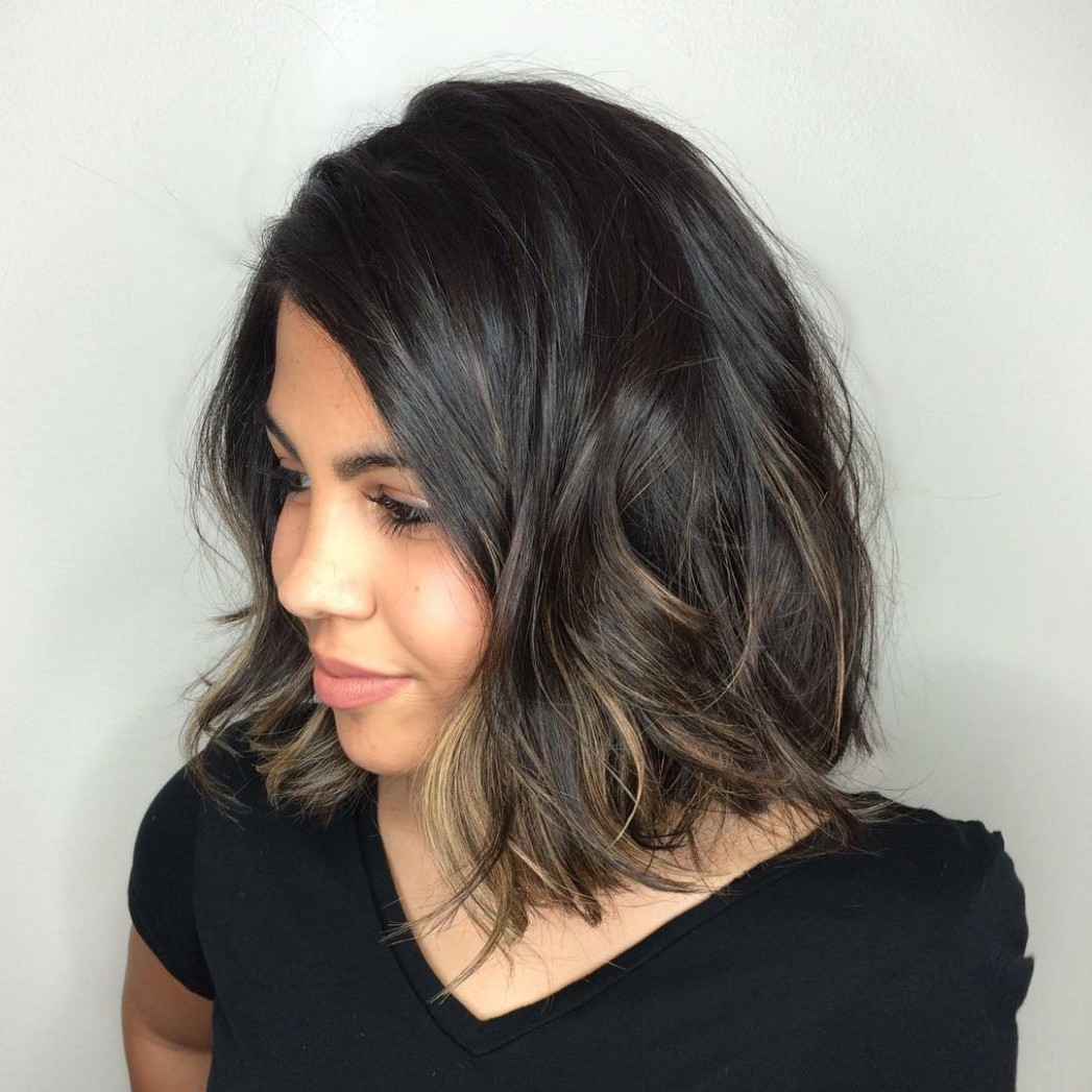8 Amazing Haircuts For Round Faces Hair Adviser Hairstyles For Round Faces And Thick Hair