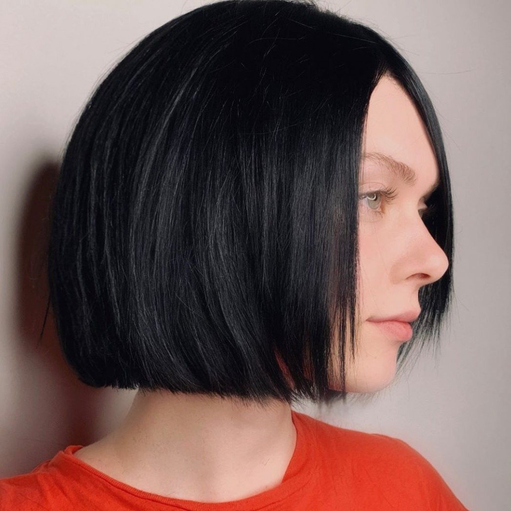 8 Blunt Cuts And Blunt Bobs That Are Dominating In 8 Hair Chin Length Blunt Bob