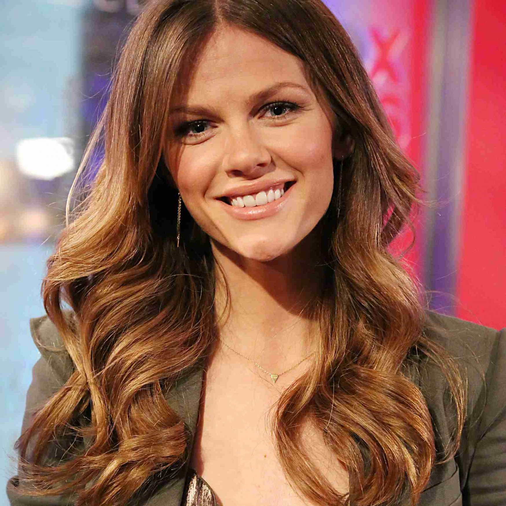 8 Flattering Hairstyles For Oval Faces Hairstyles For Long Oval Faces