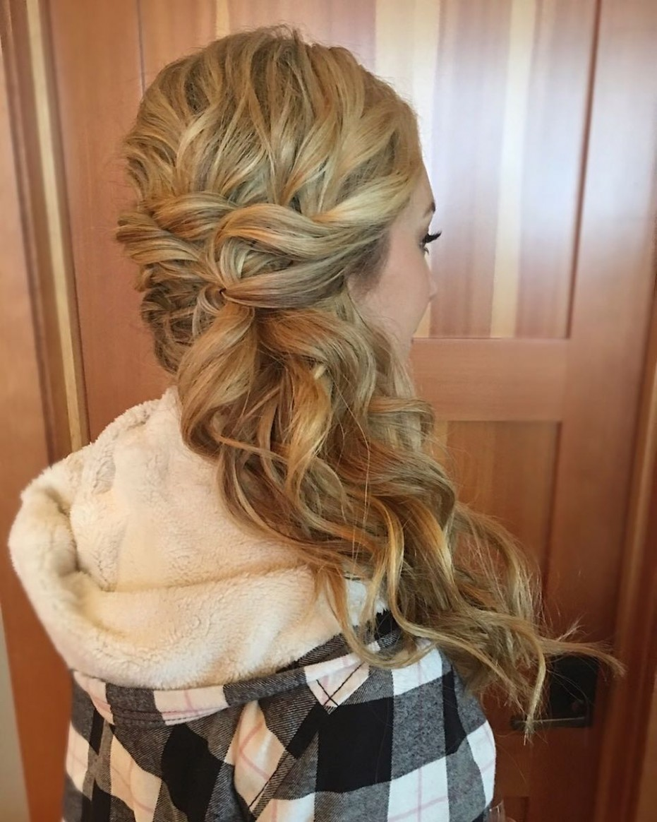 8 Hottest Side Swept Hairstyles to Try in 8