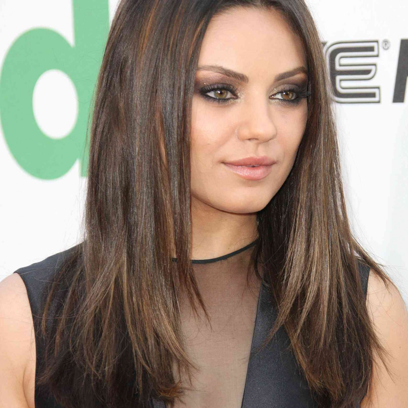 8 Of The Best Hairstyles For Round Faces Long Hairstyles For Fat Faces