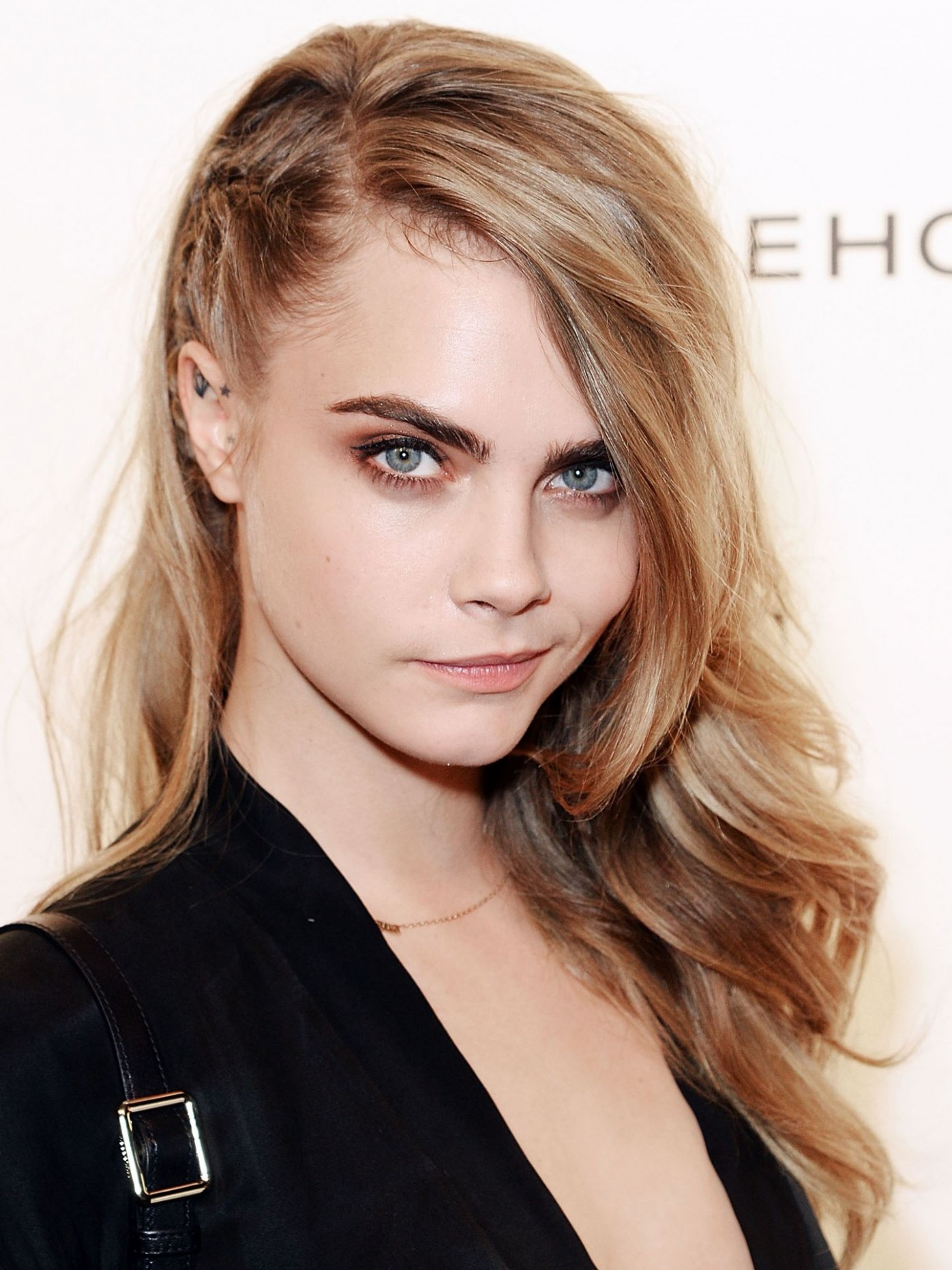 8 Side Swept Hairstyles Celebrity Side Hairstyle Inspiration Side Swept Long Hair