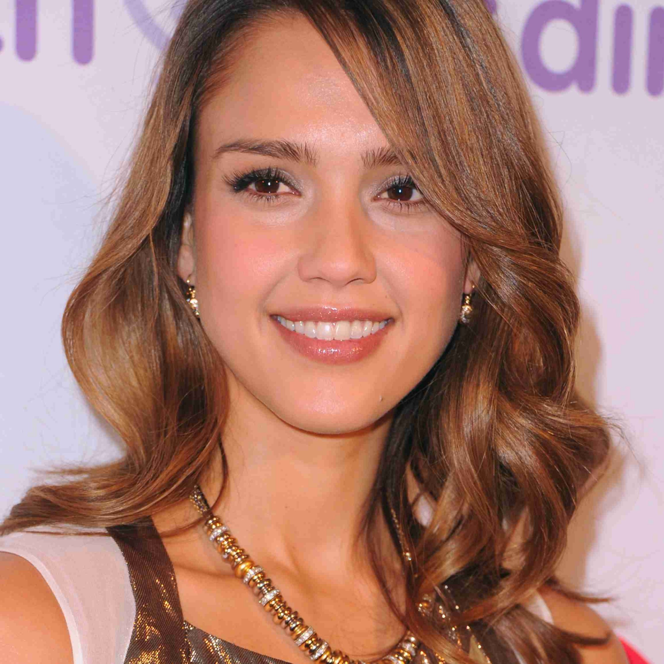 8 Stylish Hairstyles for Oblong Face Shapes