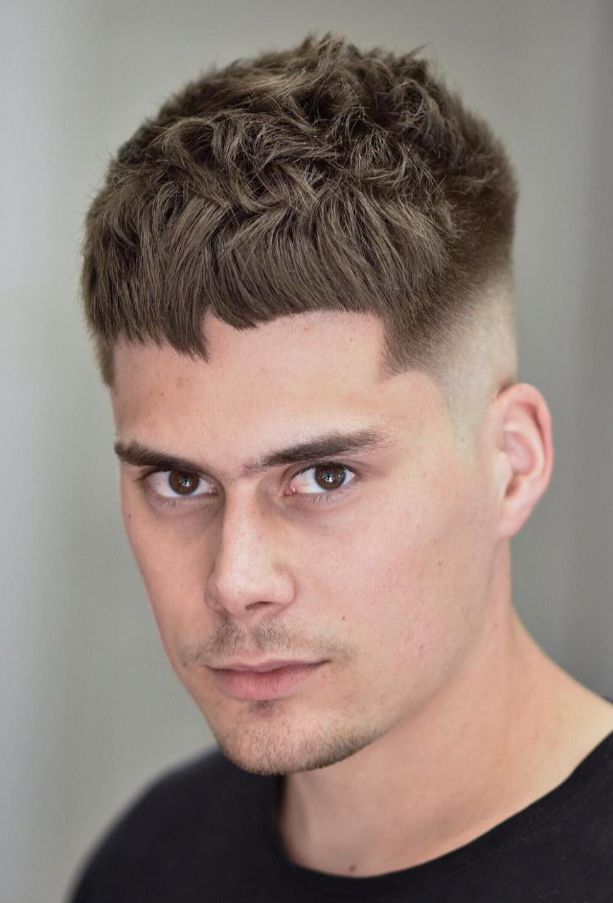 8 Stylish Undercut Hairstyle Variations To Copy In 8: A Buzzed Sides Long Top