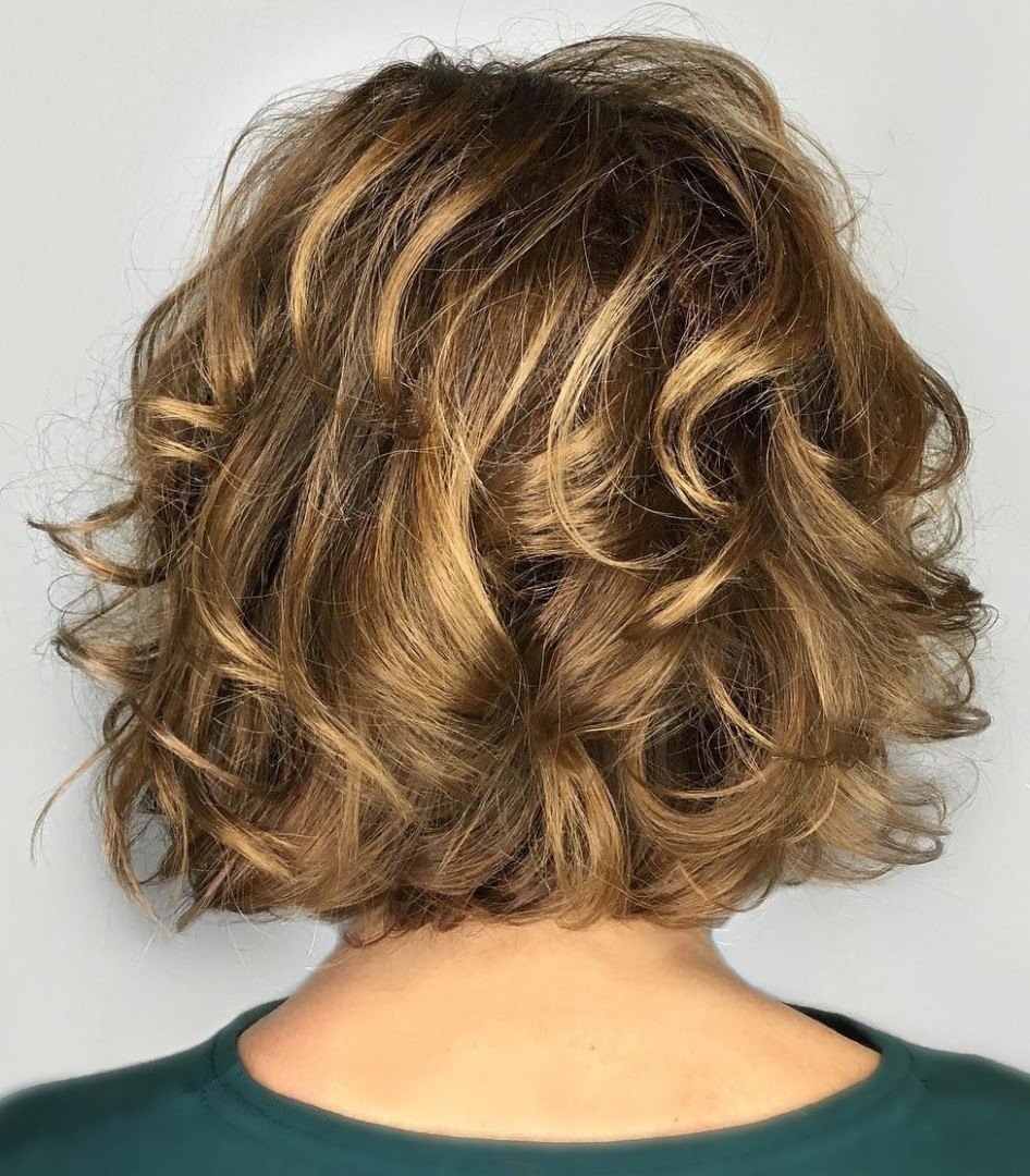 9 Absolutely New Short Wavy Haircuts For 9 Hair Adviser Low Maintenance Haircuts For Frizzy Hair