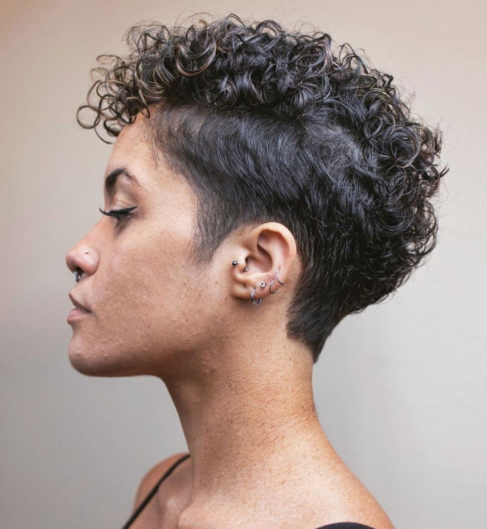 9 Best Haircuts And Hairstyles For Short Curly Hair In 9 Really Short Curly Hair