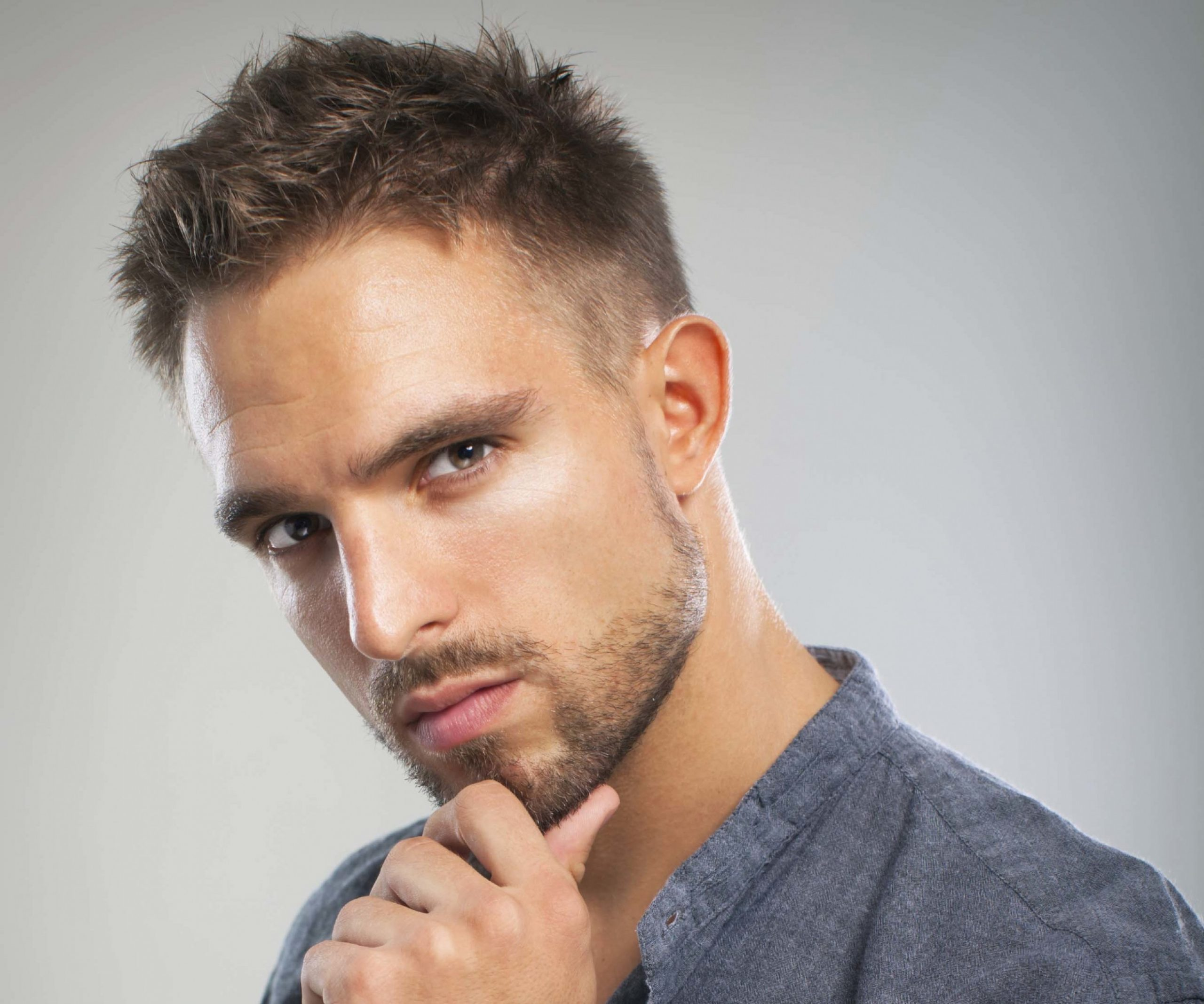 9 Best Hairstyles and Haircuts For Men With Round Faces  (9)