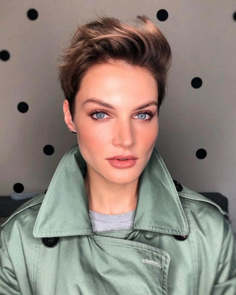 9 Fashionable Short Hairstyles For Square Faces Cheeky Locks Short Hairstyles For Square Faces And Fine Hair
