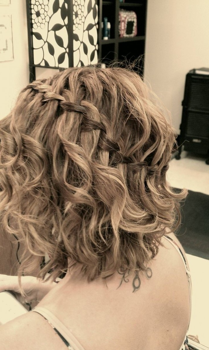 9 Great Prom Hairstyles for Girls - Pretty Designs
