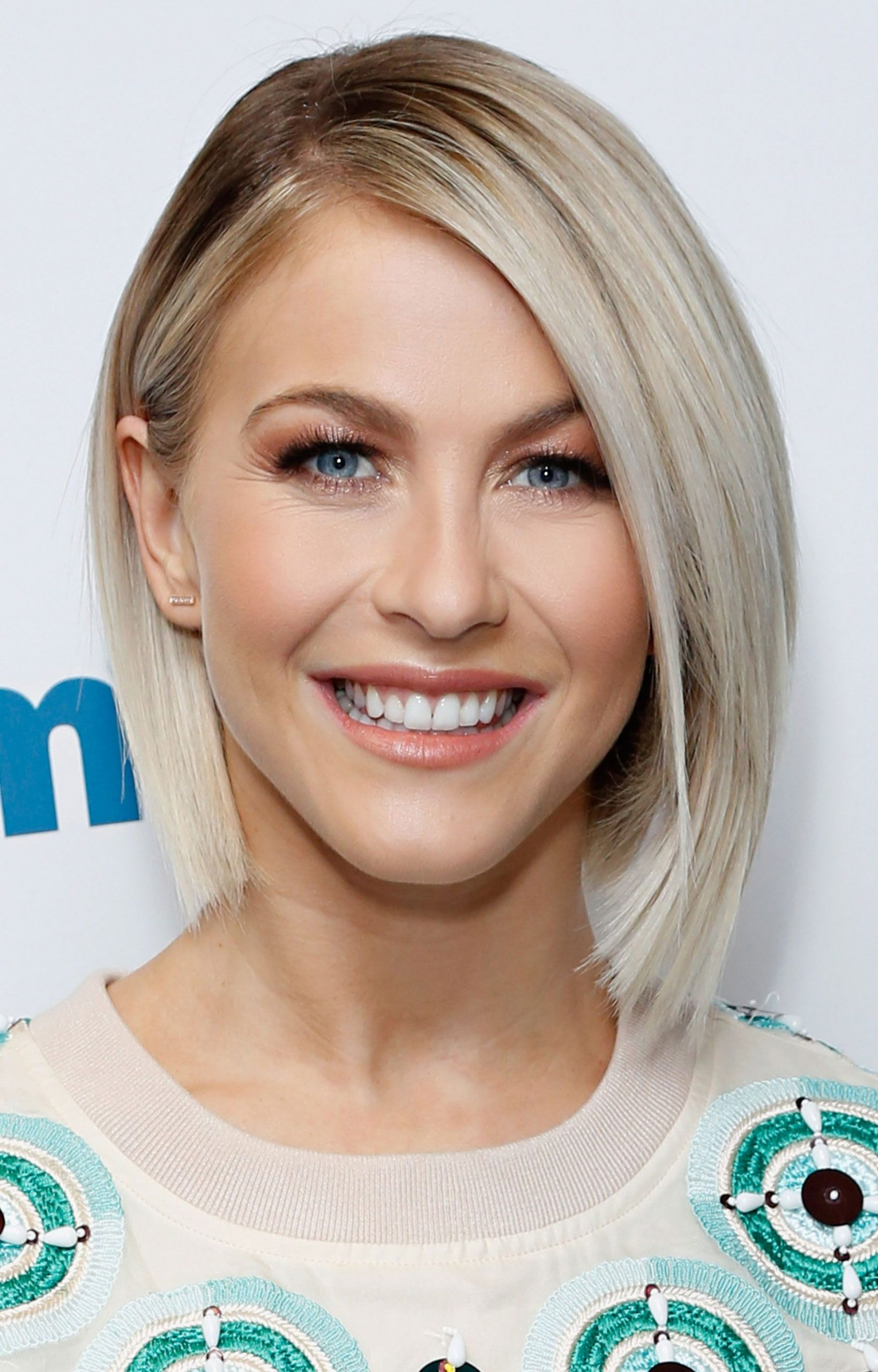 9 Hairstyles For Round Faces Best Haircuts For Round Face Shape Round Hairstyle
