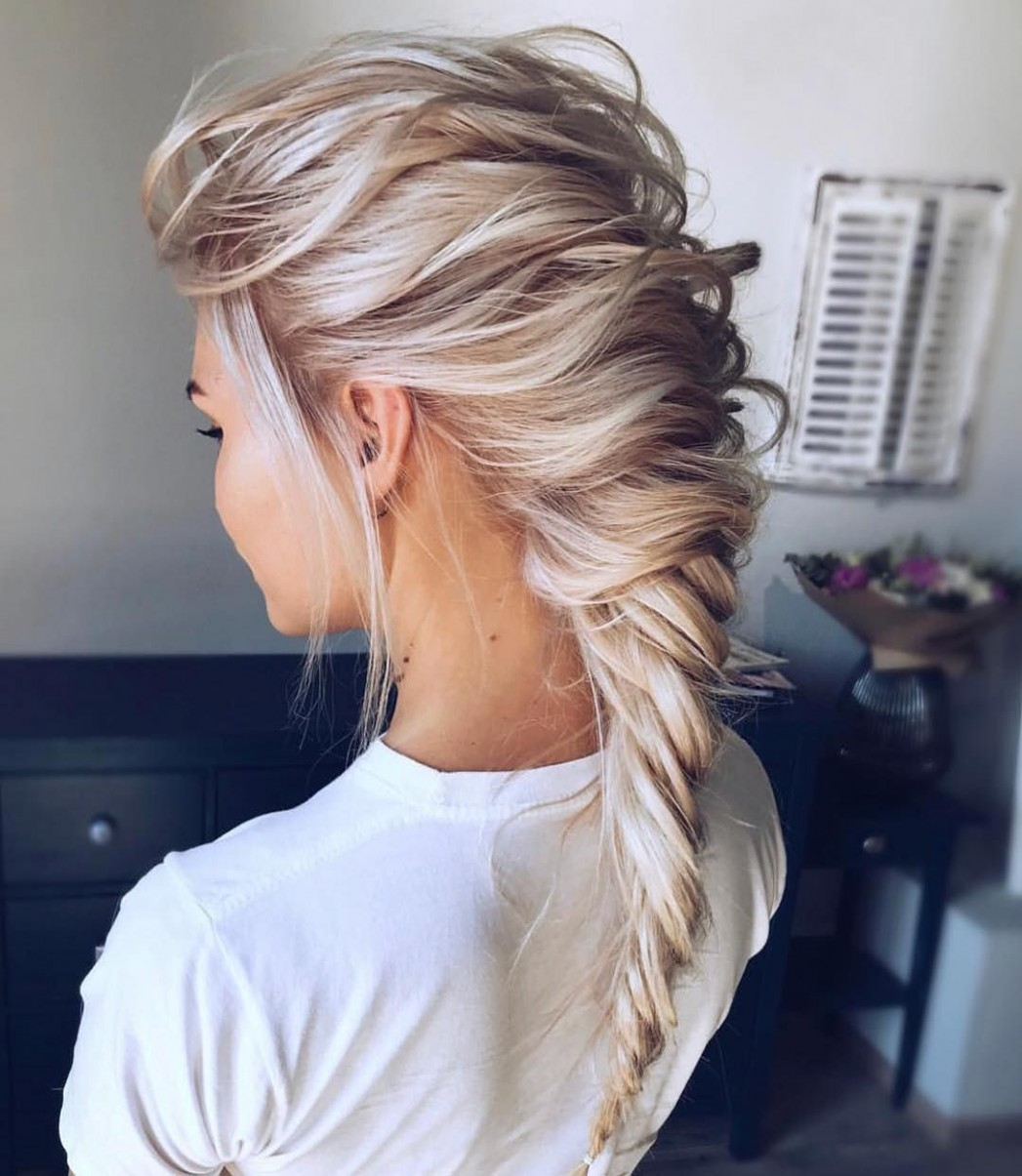 9 Messy & Messy Bun Hair Style For Lovely Women * 9 In 9 Messy Hairstyles For Long Hair