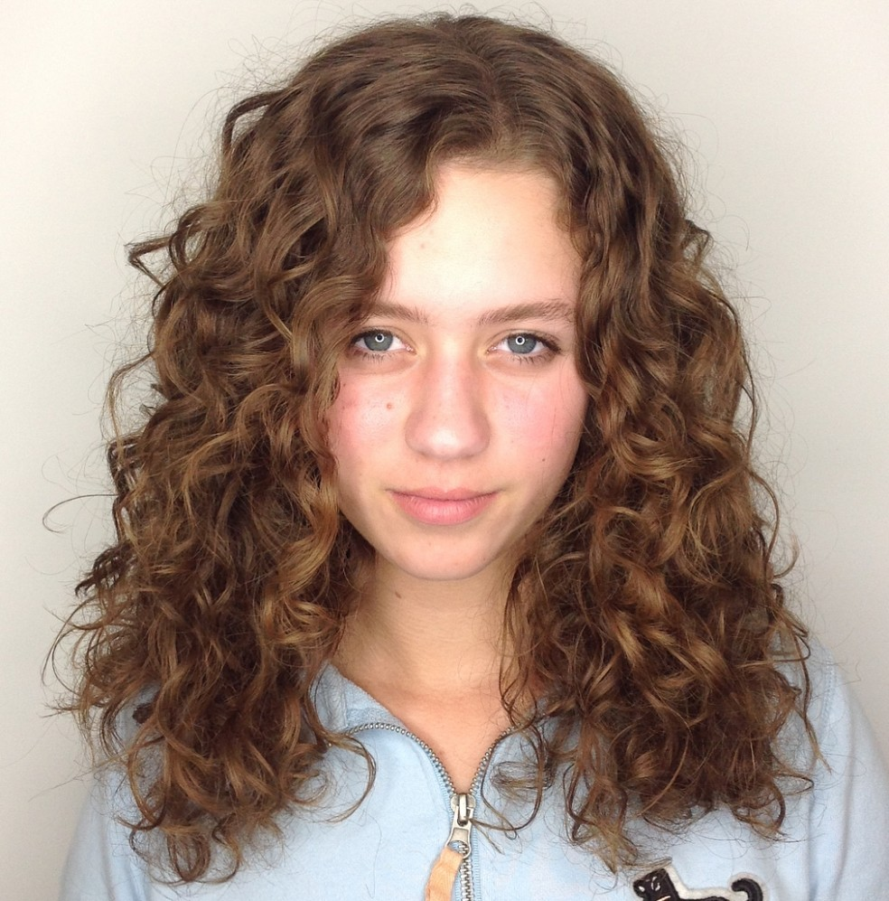 9 Natural Curly Hairstyles & Curly Hair Ideas To Try In 9 Long Wavy Curly Hair