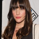 Best Hairstyles For Oval Faces 8 Flattering Haircuts For Long Hairstyles For Long Oval Faces