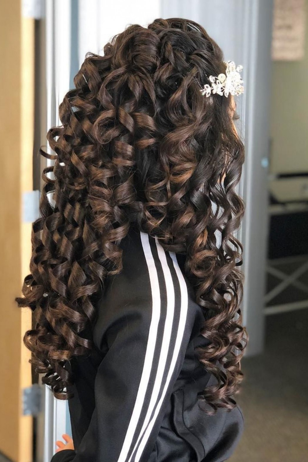 Butterfly Quinceañera Theme Ideas Mi Padrino Quince Hairstyles Quinceanera Curls