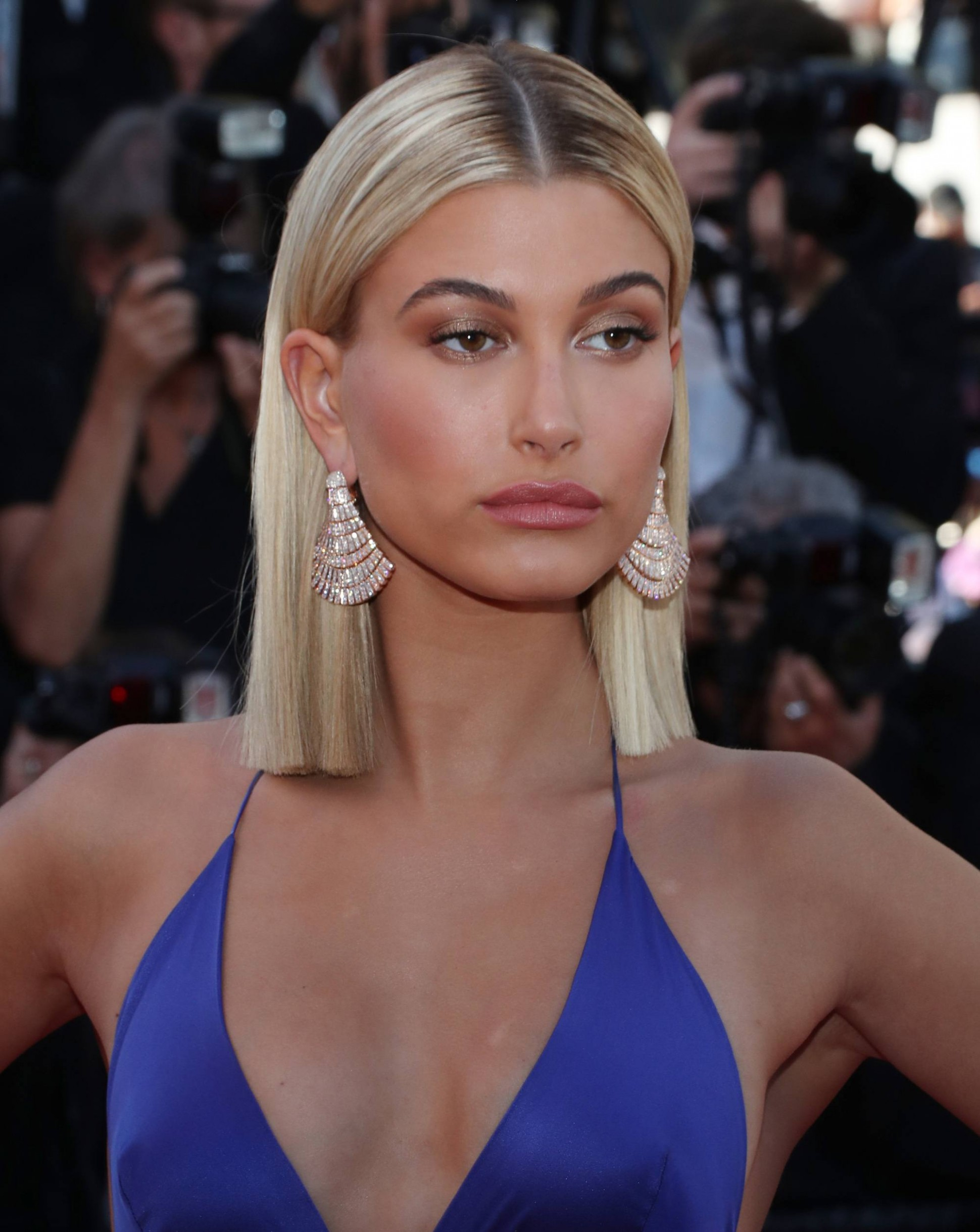 Celebrity Short Straight Hairstyles That Will Make You Want Sleek Hair Short Straight Hairstyles