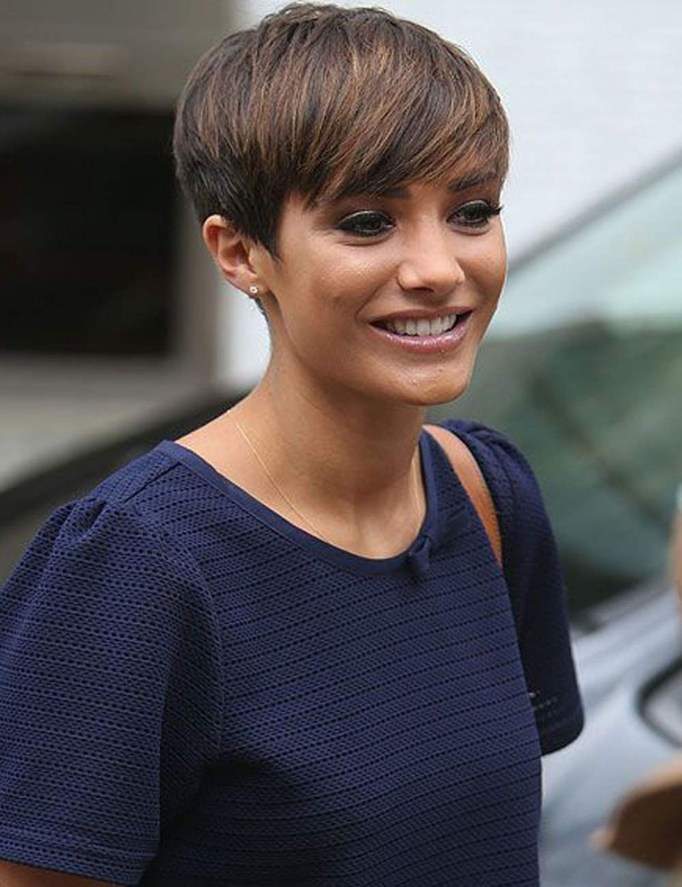 Coolest Ideas About Dark Brown Hair With Caramel Highlights 10 Dark Pixie Cut With Highlights