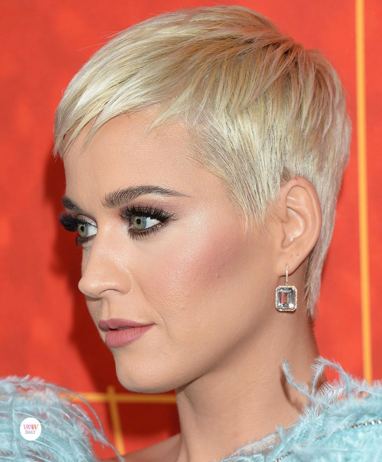 DAILY DAZZLER: Katy Perry AmfAR Los Angeles 9 (With Images Katy Perry Short Haircut