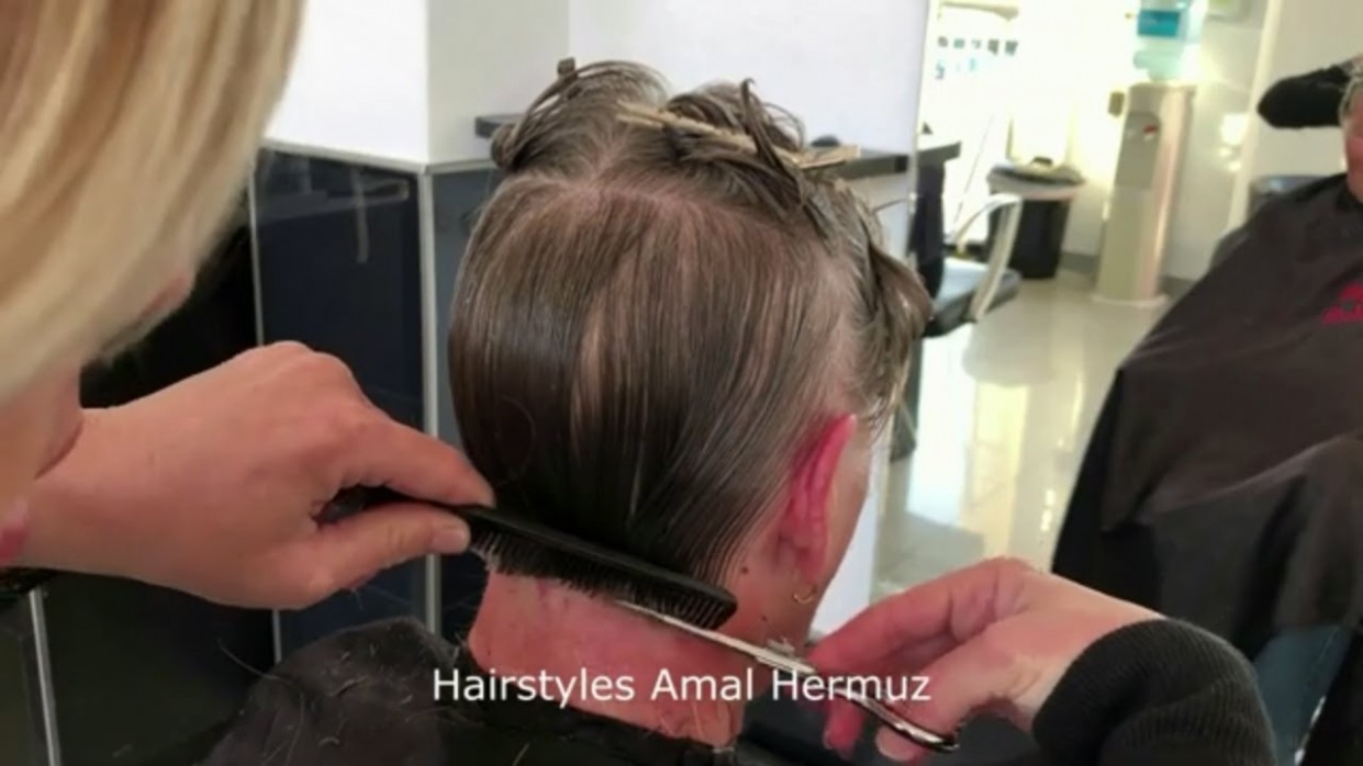 Easy and simple short bob haircut tutorial for women step by step 9