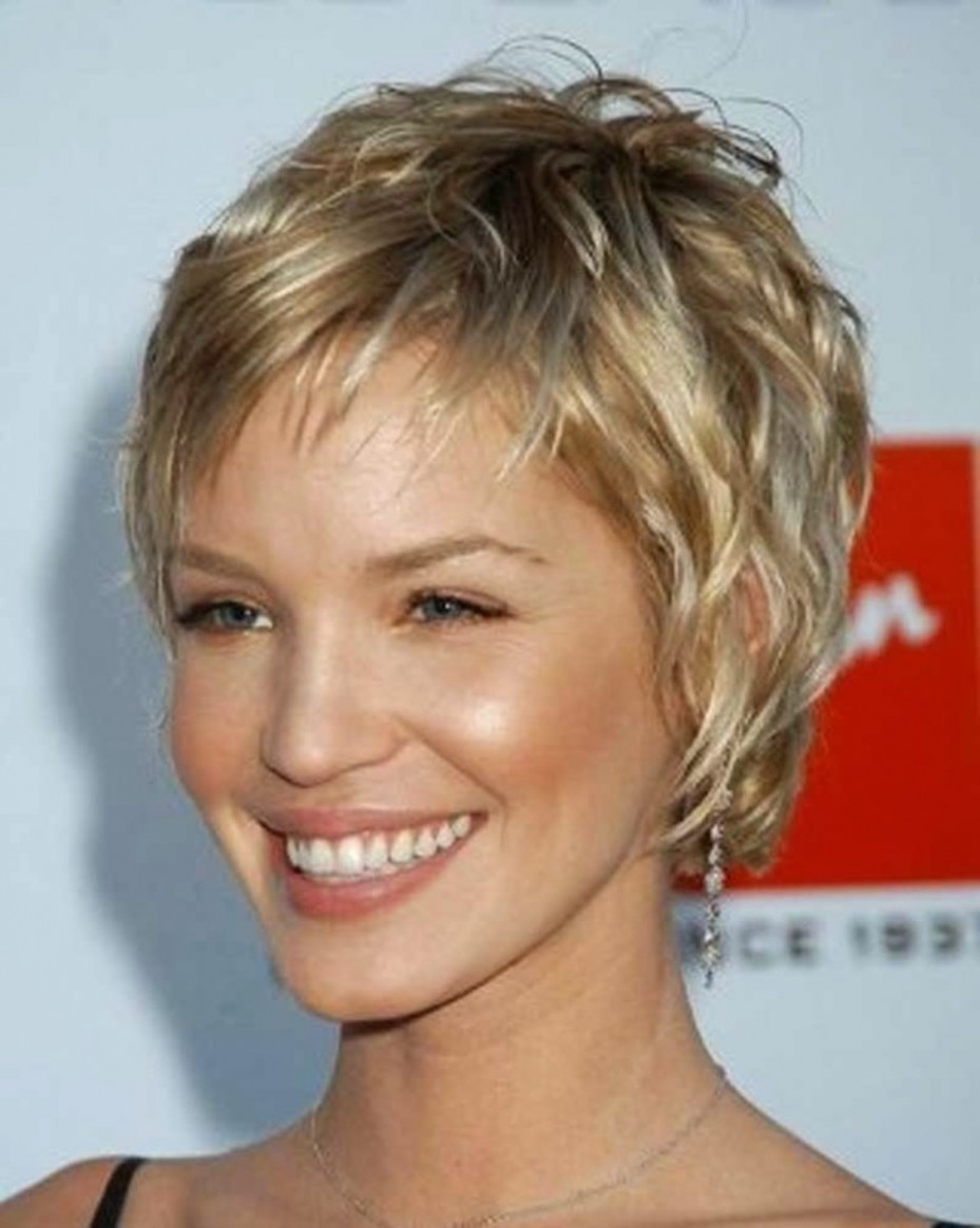 Fine, Curly Hair: Best Cuts, Styles And Hairstylist Tips The Haircuts For Thin Curly Hair