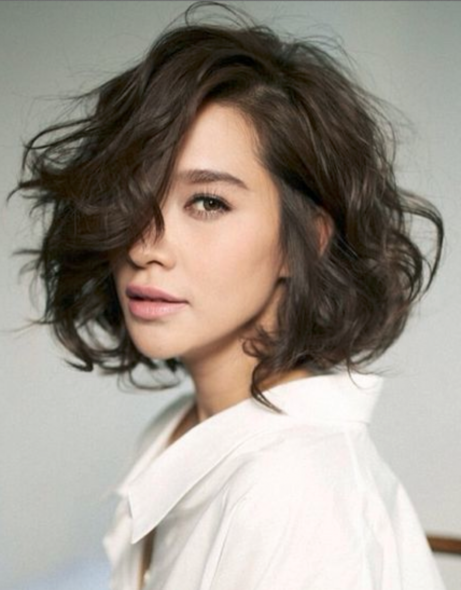 Growing Out Short Hair: How To Grow Out A Short, Wavy Haircut Short Wavy Hair