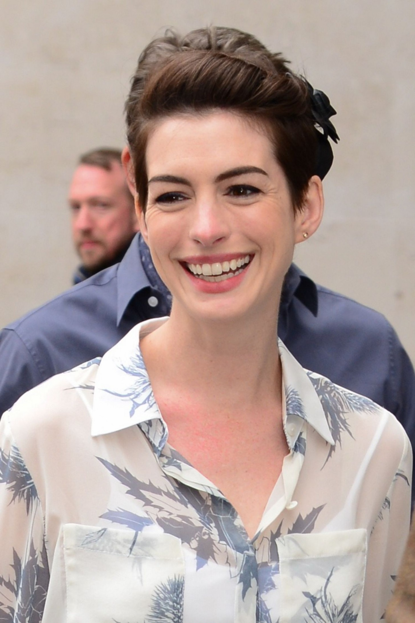 Hairstyle Ideas: How Anne Hathaway's Growing Out Her Pixie Haircut