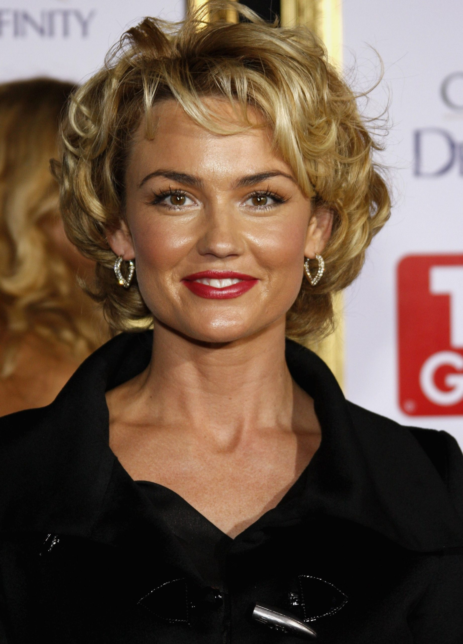 Here are some short hairstyles for mature women who are working