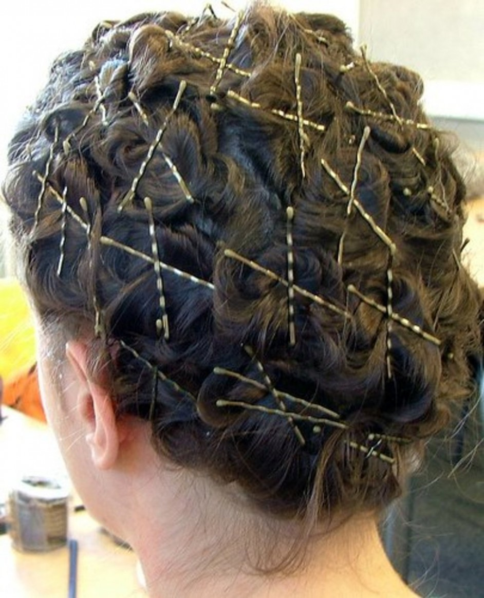 Home Salon: 9 Different Ways To Curl Your Hair Bellatory Pin Curls With Bobby Pins