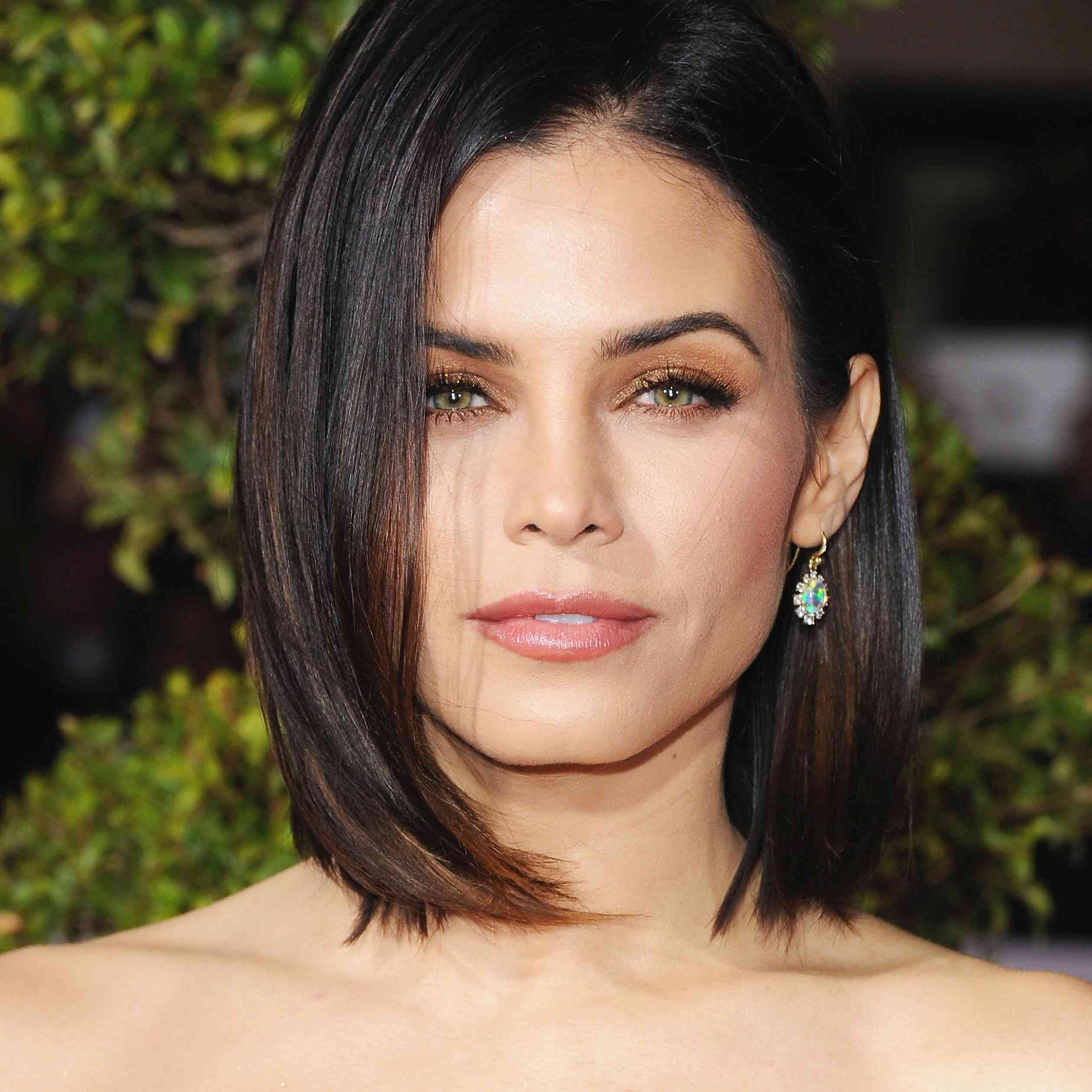 How To Choose A Haircut That Flatters Your Face Shape Small Face Haircut